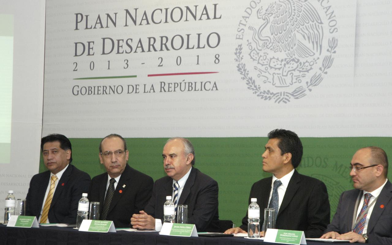 Alejandro Luna Ramos, Gilberto García Villanueva, Julián Olivas Ugalde, Javier Dávila Pérez y Luis Miguel Domínguez López.