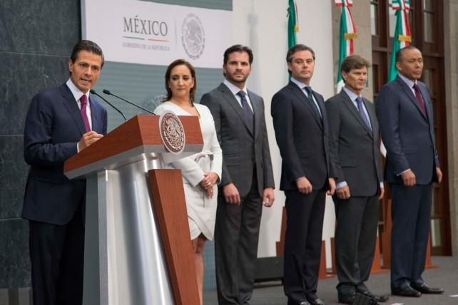 """""""Es momento de consolidar los esfuerzos de transformación de nuestro país, y de dar un renovado impulso a la gestión pública para acelerar las acciones en favor de las familias mexicanas"""", Enrique Peña Nieto."""