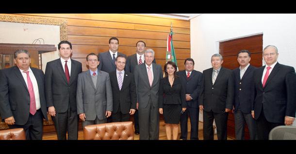 Ruiz Esparza da posesión a directores de Centros SCT