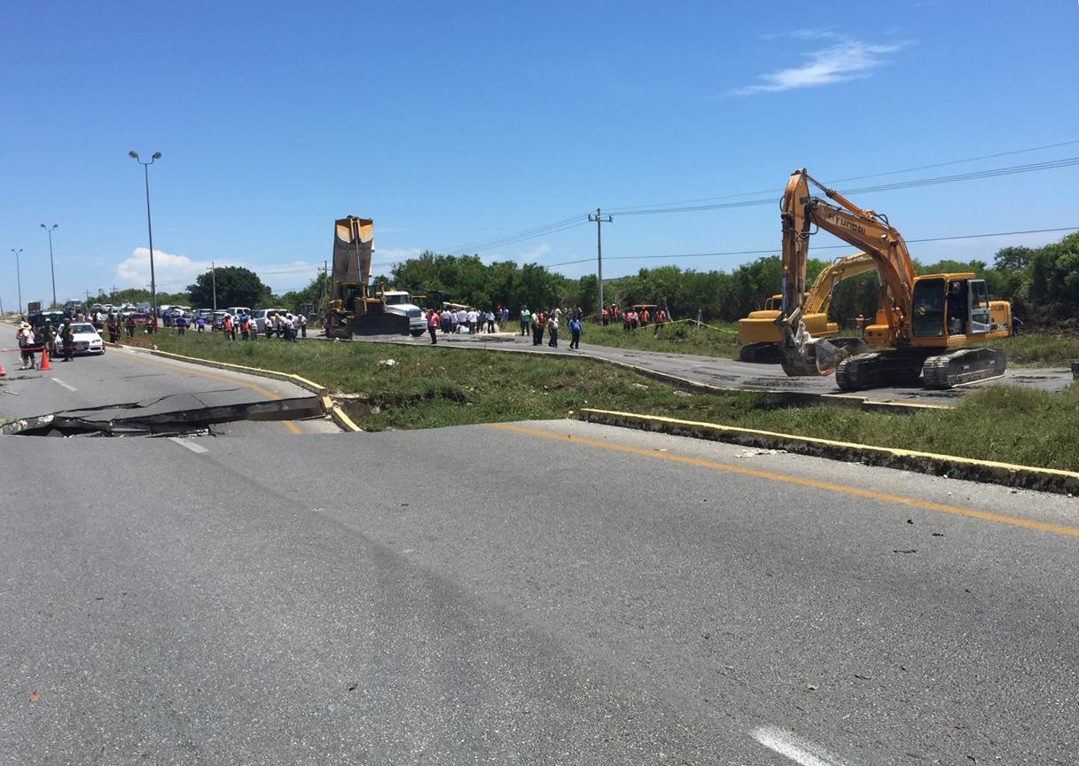 Garantiza SCT paso vehicular en carretera Cancún – Playa del Carmen, con pasos provisionales