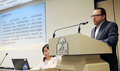 Presentan conferencia en el Auditorio de Medicina de la CONADE