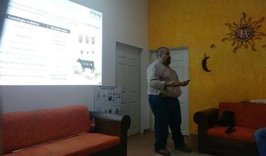 INIFAP imparte en Campeche taller sobre garrapatas en bovinos