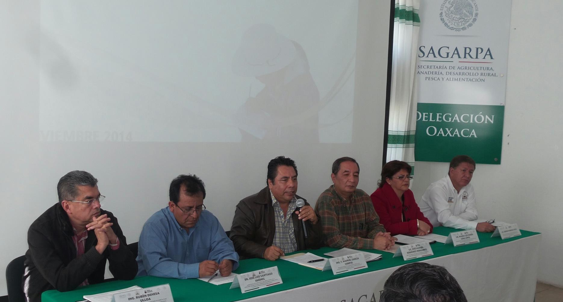 Apoya SAGARPA la alfabetización de los trabajadores del campo de Oaxaca
