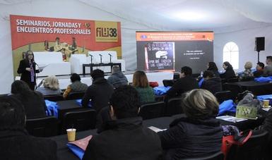 La Conferencia magistral que abrió el Encuentro Nacional de Libreros-Editores, en marco de la 38 FILIJ, estuvo a cargo de Jeny Garduño.
