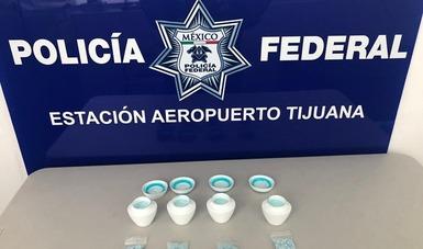 Las pastillas se localizaron dentro de frascos de crema