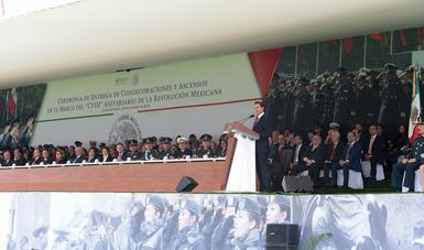 """""""Fortalecer nuestro régimen democrático y favorecer la justicia social, como máximos postulados emanados de la Revolución Mexicana, ha sido una guía del Gobierno que encabecé durante los últimos seis años"""": EPN"""