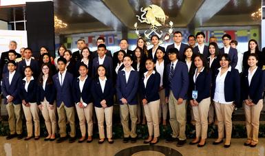 """Premian A Jóvenes Ganadores Del XVIII Concurso """"La Juventud Y La Mar"""""""