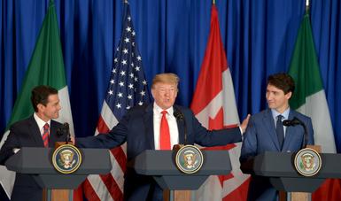 """El Presidente de la República celebró haber llegado a la culminación de un """"largo proceso de diálogo y negociación"""" que permitió """"superar diferencias y conciliar visiones""""."""