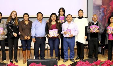 Se entregaron traducciones de la Constitución de la CDMX a 10 lenguas indígenas