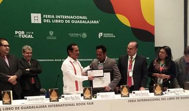 Se entregó el Premio de Literatura Indígenas de América a un escritor mazahua