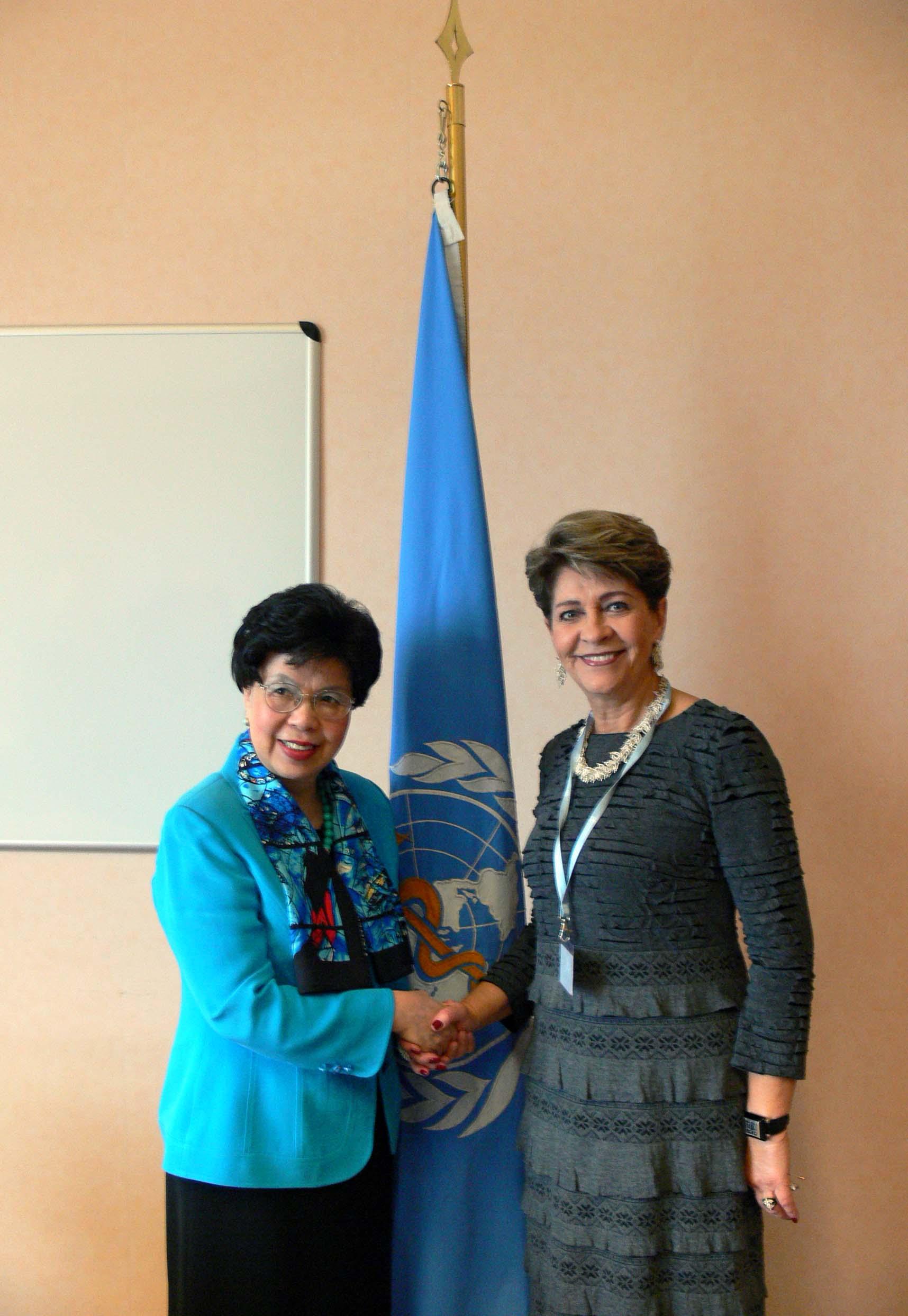 La Secretaria de Salud, Mercedes Juan, sostiene reunión de alto nivel con directora de la OMS