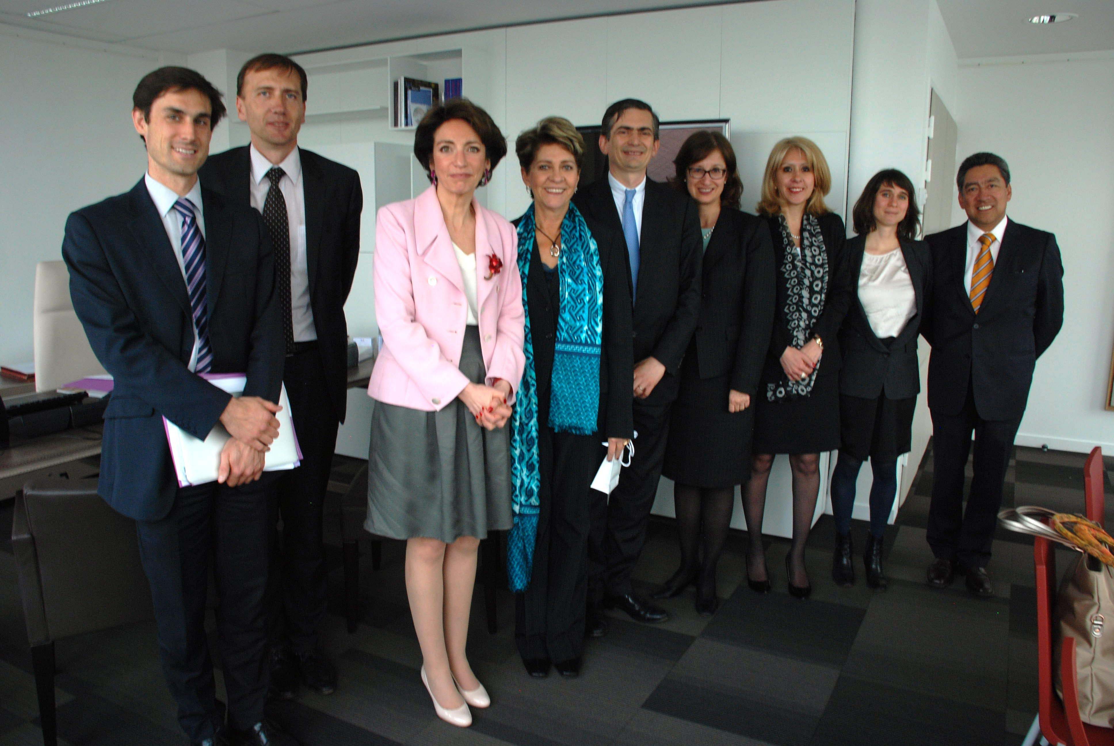 La Doctora Mercedes Juan se reunió con el secretario general de la OCDE