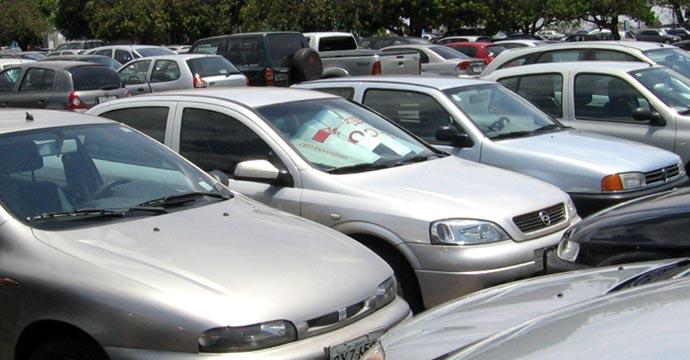 Se amplía vigencia de decreto para importar vehículos usados