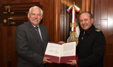 Los secretarios de Agricultura y Desarrollo Rural, Víctor Villalobos Arámbula, y de Marina, José Rafael Ojeda Durán, firmaron un convenio marco de colaboración en materia de inspección y vigilancia.