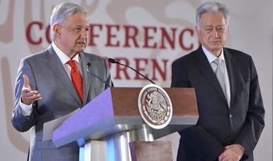 Presidente Andrés Manuel López Obrador y Manuel Bartlett, director de la CFE