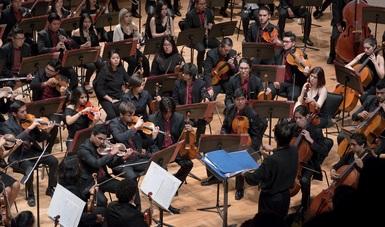 El director de orquesta costarricense Eddie Mora dirigirá a la Orquesta Escuela Carlos Chávez