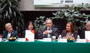 El Subsecretario de Prevención y Promoción de la Salud, Hugo López-Gatell, acudió a la presentación del libro La Obesidad en México.