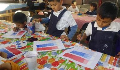 Desde enero y hasta julio del presente año, niñas y niños tarahumaras de la escuela primaria Amado Nervo en el municipio de Choix en Sinaloa, reciben talleres de pintura