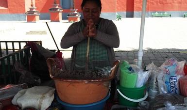 El filme revalora el proceso de elaboración de la bebida tradicional de Zacatelco hecha a base de cacao, habas y maíz cacahuazintle