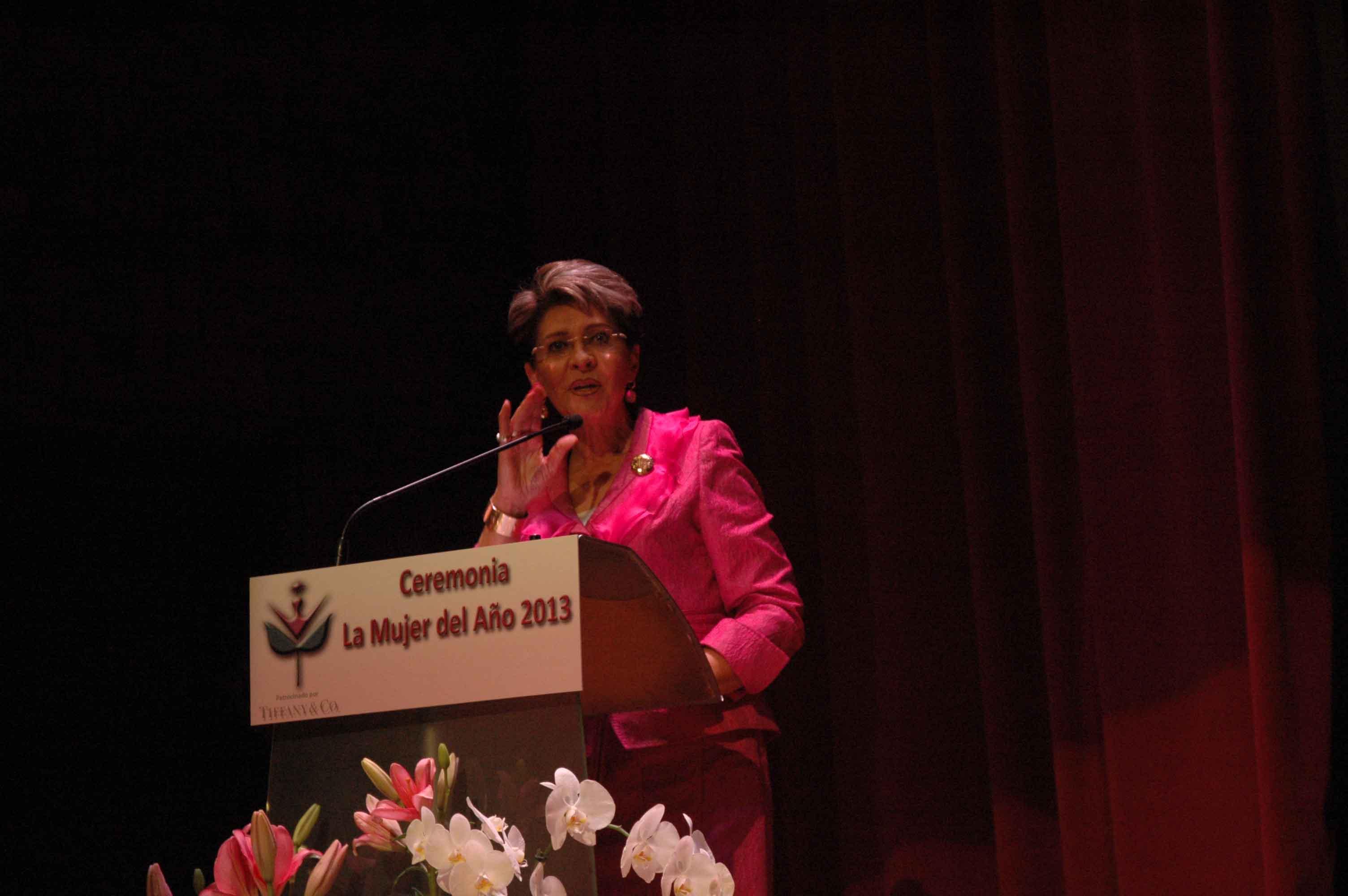 """Premio """"La Mujer del Año 2013"""""""