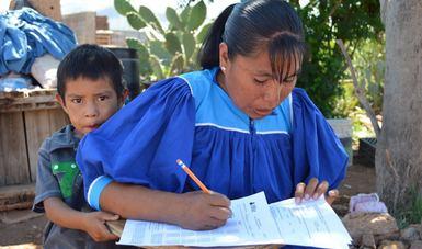 Atiende INEA a comunidades indígenas desde alfabetización hasta secundaria: SEP