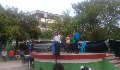 Recorren con teatro guiñol municipios de Guerrero