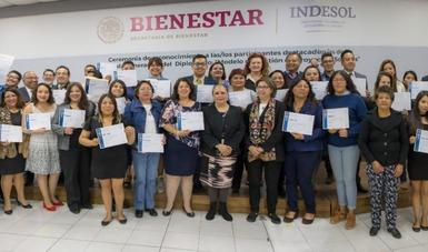 Fotografía de personas egresadas de la segunda generación del diplomado Modelo de Gestión de Proyectos Sociales.