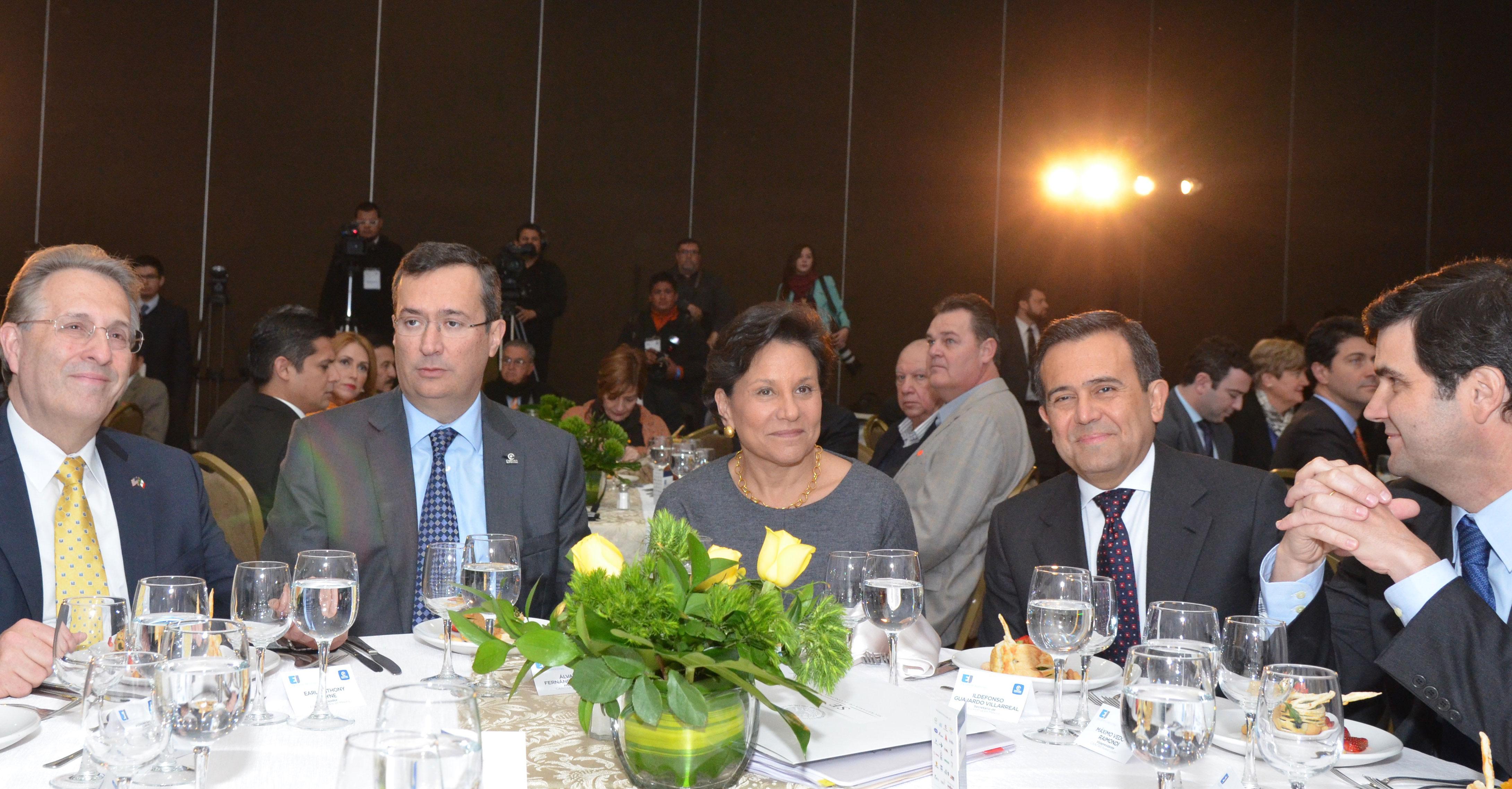 El Comercio entre México y el Resto del Mundo Creció en 2013 a casi 800 mil millones de dólares