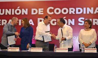 Firman convenio INEA y Más por México para combatir el rezago educativo