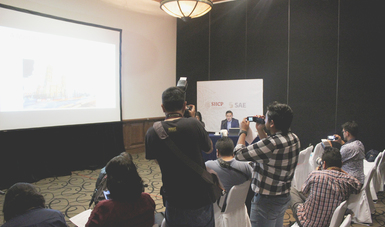 Es la conferencia de prensa para dar a conocer la subasta que se realizará en Puebla.