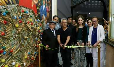 Fotografía donde posan cortando el listón inaugural, de izquierda a derecha: Adán Juárez, Carlo Arnauda, Daniela Linares Villarreal y Yuriria Robles Aguayo.