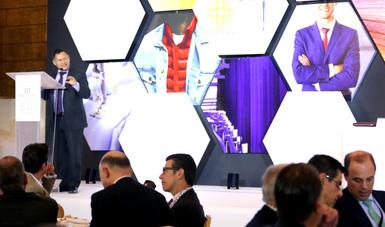 El Subsecretario de Industria y Comercio, Ernesto Acevedo Fernández, en discurso durante  el Tercer Encuentro Nacional de la Cadena Fibra-Textil-Vestido.