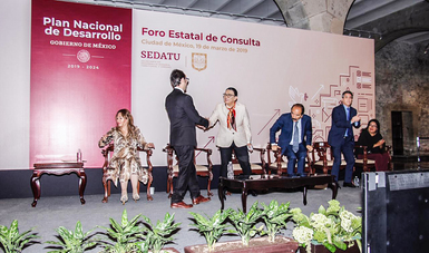 La Secretaría de Desarrollo Agrario, Territorial y Urbano, en coordinación con el Gobierno de la Ciudad de México, encabezaron el Foro Estatal de Consulta, en el marco de la confección del Plan Nacional de Desarrollo.
