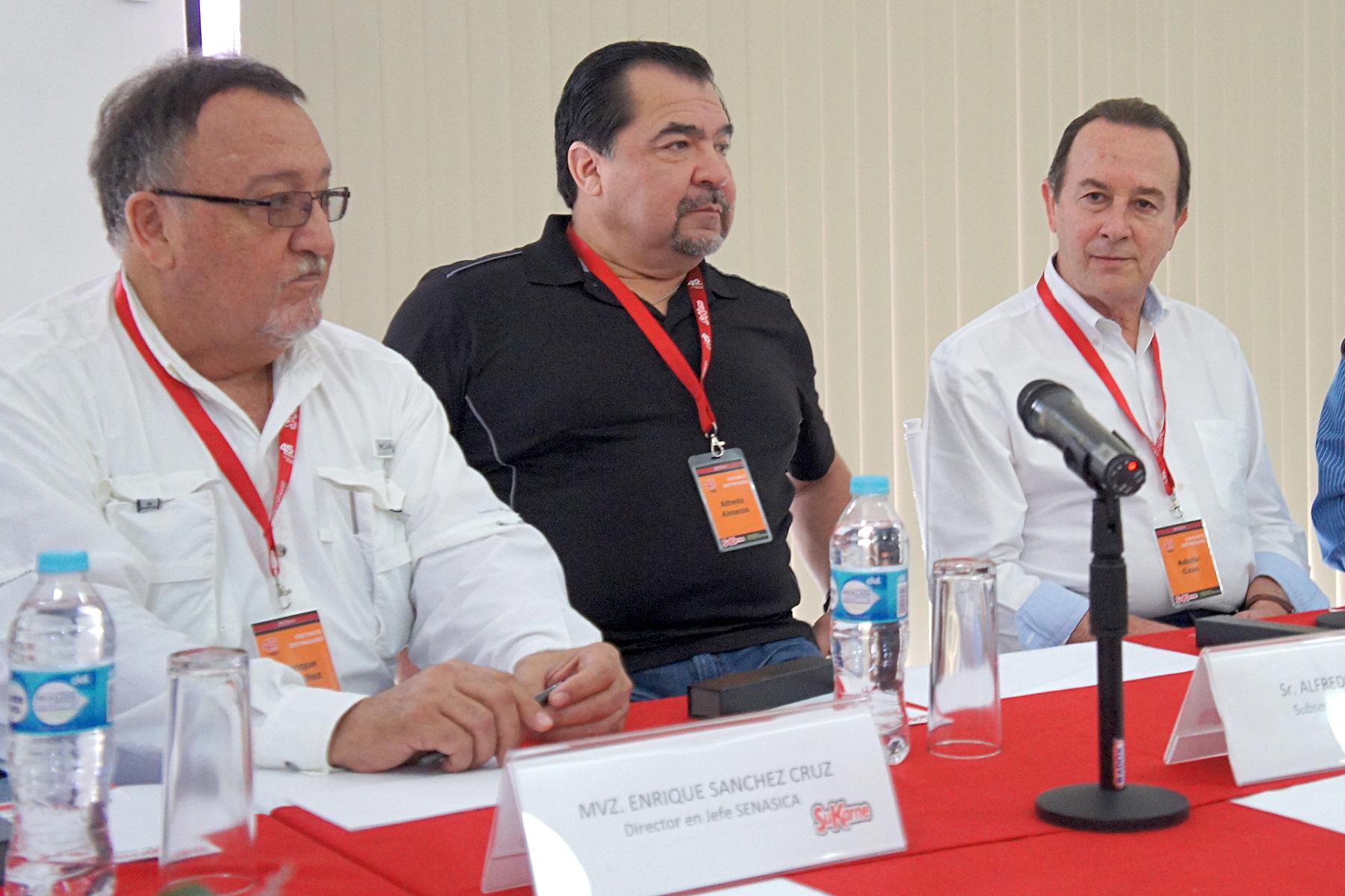 Enrique Sánchez Cruz explicó el trabajo que durante los últimos años ha venido realizando la SAGARPA para ofertar a los consumidores nacionales y al mundo productos de calidad.