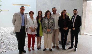 Fotografía de funcionarios durante gira de trabajo de la titular del Indesol en Aguascalientes