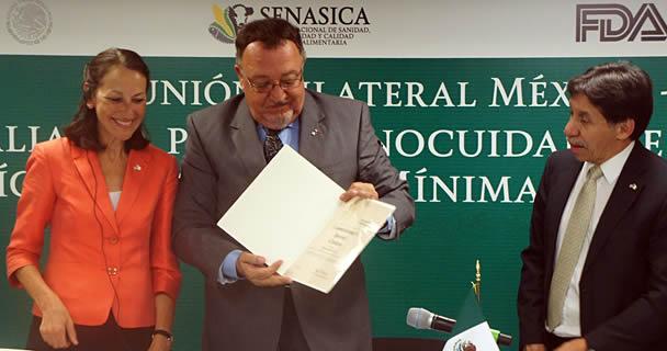 El Servicio Nacional de Sanidad, Inocuidad y Calidad Agroalimentaria (SENASICA) recibió un reconocimiento de parte de la Administración de Alimentos y Medicamentos de los Estados Unidos