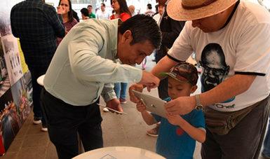 Compartimos nuestro conocimiento con niños, jóvenes y adultos sobre la energía de la Tierra.