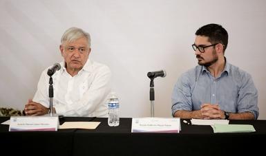 El presidente Andrés Manuel López Obrador y el secretario de Desarrollo Agrario, Territorial y Urbano, Román Meyer Falcón.