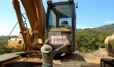 Profepa clausura obras y actividades de cambio de uso de suelo en terrenos forestales y explotación de mineral de fierro, en Colima