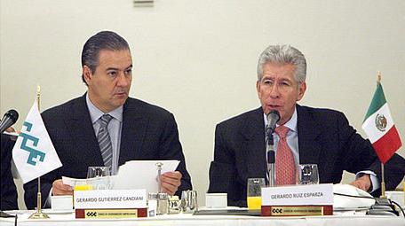 El secretario de Comunicaciones y Transportes, Gerardo Ruiz Esparza, se reunió con el Consejo Coordinador Empresarial