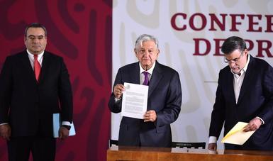 El presidente de México, Andrés Manuel López Obrador, desde Palacio Nacional durante la conferencia de esta mañana.
