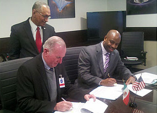Firma Agencia Espacial Mexicana convenio con la NASA