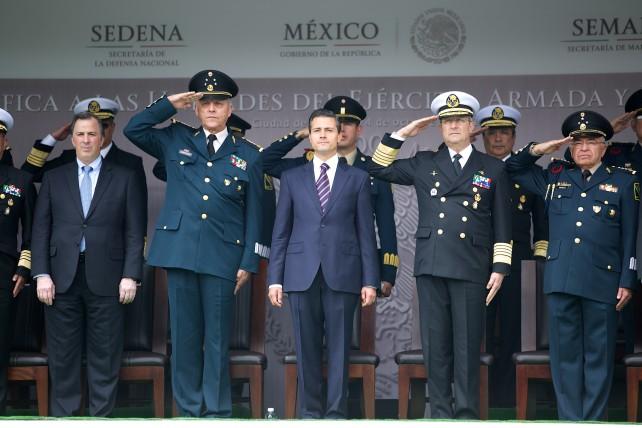 Con su empeño, elevados valores y vocación de servicio, el Ejército Mexicano, la Armada de México y la Fuerza Aérea Mexicana mantienen firme su compromiso con la nación y con todos los mexicanos.