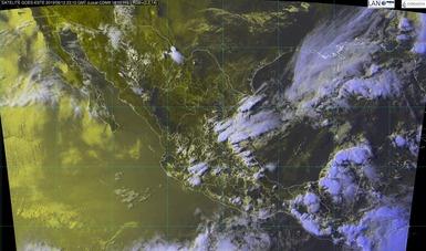 Fotografía satelital de la república mexicana en donde se muestra el movimiento nuboso. Logotipo de conagua
