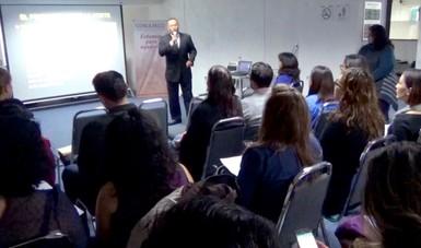 El doctor Garry Eldon Britton Justo, Perito en Psiquiatría,  durante su presentación