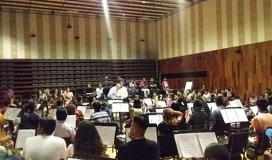 Fue impartido por Roberto Beltrán Zavala, director de la OSUG, y Roberto Renteria Yrene, coordinador artístico de las agrupaciones musicales comunitarias del SNFM