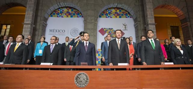 El Titular del Ejecutivo Federal manifestó su reconocimiento a la importancia de la COPECOL como mecanismo de reflexión y punto de encuentro para fortalecer el Federalismo legislativo.