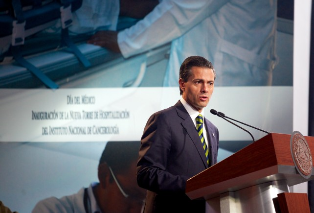 """""""Es incongruente exigir la aplicación de la ley con acciones que violentan el Estado de Derecho, como las ocurridas ayer en Iguala"""", puntualizó."""