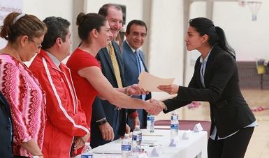 La directora general de la CONADE felicitó a los graduados 2015-2019 de la ENED.