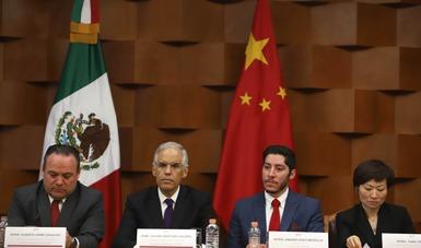 Acompaña la Cancillería la entrega de becas a estudiantes mexicanos por parte de un consorcio universitario chino